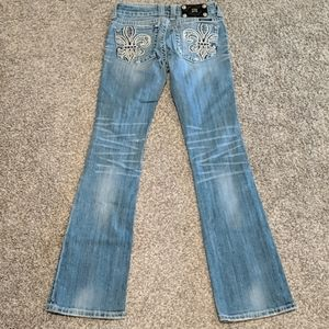 Miss Me bootcut distressed jeans sz 25x33.5 Buckle